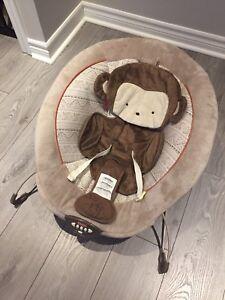 Baby items - Bouncer, nursing pillow, mamaroo