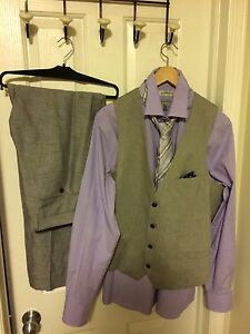 Le chateau men's suit