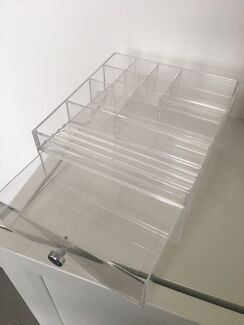 Make up storage container - clear
