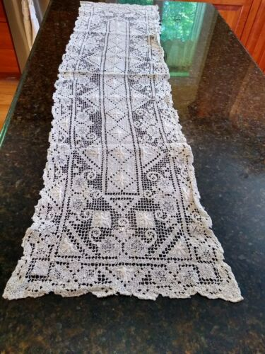 ANTIQUE EMBROIDERED LACE TABLE RUNNER~BUREAU SCARF~IVORY BONE COLOR~VEUC