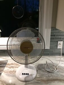 """Airworks 3 Speed Oscillating 14"""" Table Fan"""