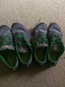 2 pairs of men's shoes