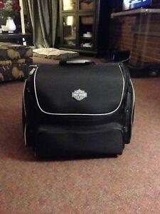 Harley Davidson premium roller bag,