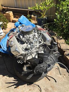 V8 l engine complete with running gear Wakeley Fairfield Area Preview