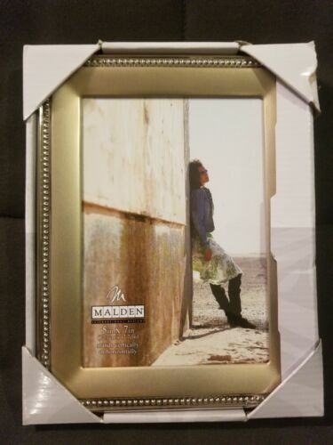 """MALDEN Standing Beaded Picture Frame 5""""x7"""", Pewter Plated, B"""