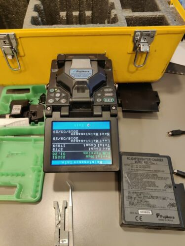 Fujikura FSM-50S SM MM Fiber Core Alignment Fusion Splicer w/ Cleaver CT-30