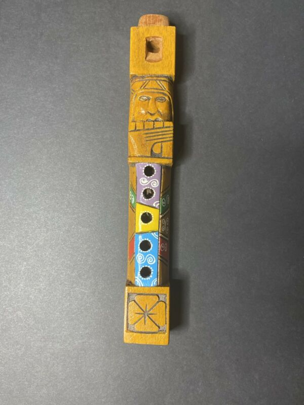 HAND CRAFTED 6 HOLE WOOD NATIVE AMERICAN INDIAN FLUTE totem pole