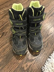 Boys GEOX winter boots size 11