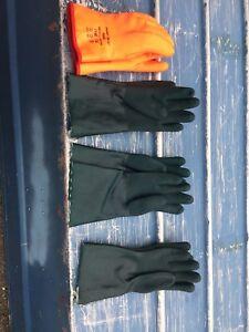 Industrial waterproof gloves