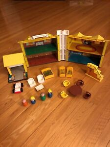 Fisher Price vintage école house