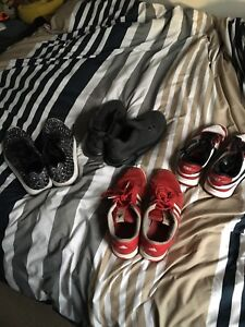 Lot of four sneakers