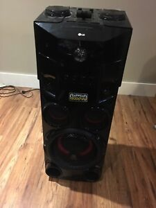 1000 watt party speaker