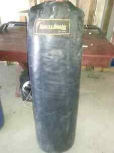 Punching bag 50kg Carrara Gold Coast City Preview