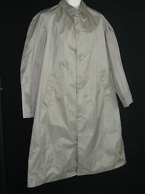 Vtg. Globetrotter Rainfair Raincoat/Rain slick Lightweight (Size 40)  GUC!
