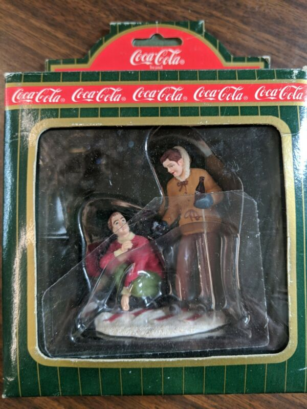 Coca Cola Town Square Collection 1995 skiers in box