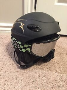 Roslin snowboarding helmet and Bolle goggles