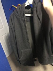 BC CLOTHING CO SWEATER SIZE SMALL FITS LIKE MEDIUM
