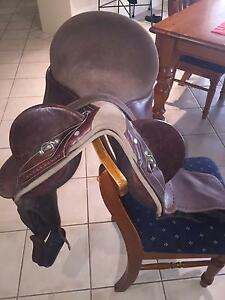 """17"""" leather Syd Hill Stock Fender to suit new buyer Morisset Lake Macquarie Area Preview"""