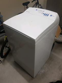 Fisher and Paykel 5.5kg washing machine.