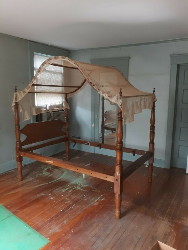 Antique American Maple Four Poster Canopy Bed