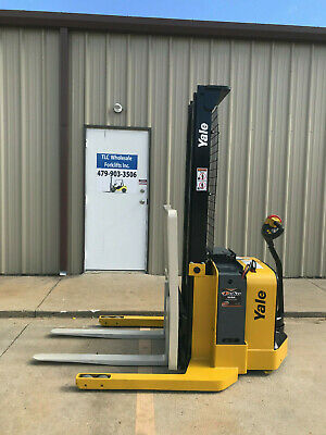 2008 Yale Walkie Stacker - Walk Behind Forklift - Straddle Lift Only 897 Hours