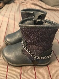 Toddler girls size 4 boots