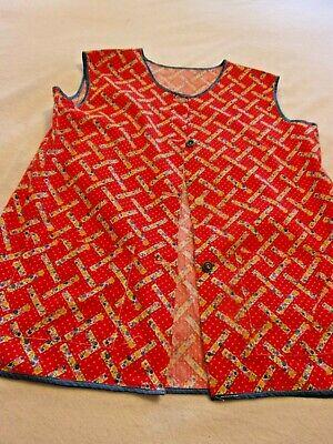 Vintage Aprons, Retro Aprons, Old Fashioned Aprons & Patterns Vintage Cobbler Smock Button Apron Women's Size M Red Floral Cotton Country $15.88 AT vintagedancer.com