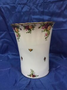 """Royal Albert """" Old Country Roses"""" , waste basket. FIne  China"""