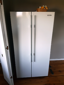 Simpson SSM6100WA 610 Litre fridge freezer Highgate Perth City Area Preview