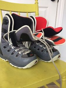 Ladies snow board boots size 7