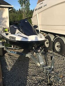 2004 kawasaki 12F pwc watercraft