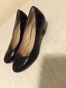 Ladies work shoes heels size 6 Sumner Brisbane South West Preview