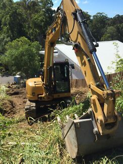 Excavator 8t CAT for hire Buderim Maroochydore Area Preview