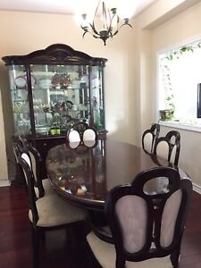 7 Piece Dining Table + Hutch/Buffet