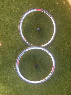 Road Bike Wheels Alex Rims 700c Michelin Tyres 105 Hubs