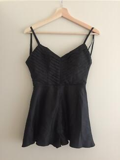 KEEPSAKE PLAYSUIT size XS in Good condition