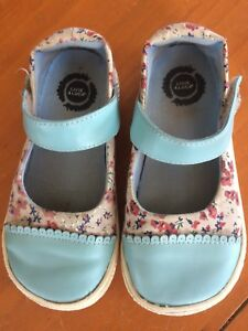 Sweet live luca girls floral and blue leather size 10 shoes