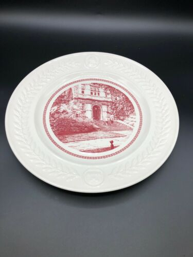 "Wedgwood Univ. of Pennsylvania Bicentennial ""Medical Laboratory Entrance"" Plate"