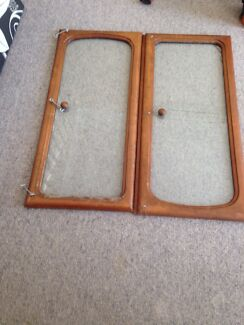 2 x glass cabinet doors free to take awy Browns Plains Logan Area Preview