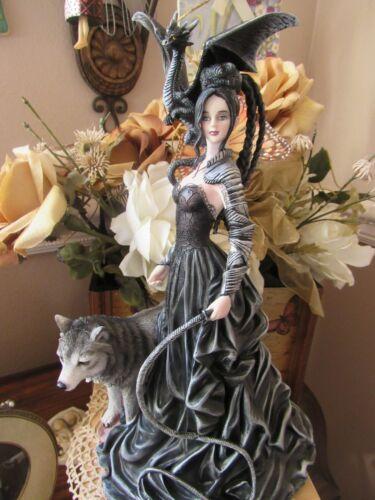 Nene Thomas BELLA MAESTRA  fairy Figurine with Wolf & Dragon 2020 RELEASE NEW