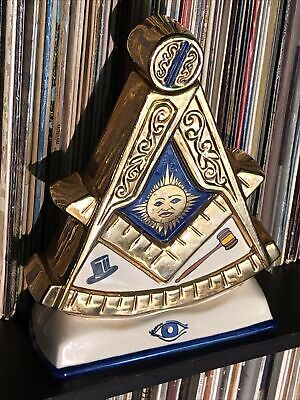 Mike Wayne Masonic Order Decanter limited Edition All Seeing Eye Pyramid Whiskey