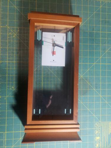 Frank Lloyd Wright Bulova Quartz Mantel Desk Clock Battery Powered Architecture