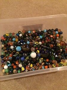 800+ assorted marbles