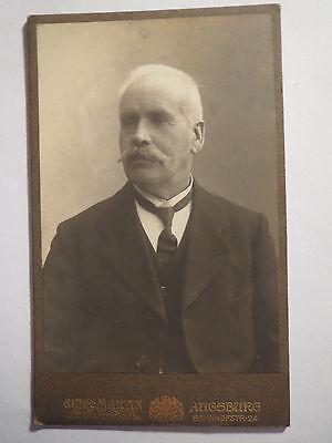 Augsburg - Mann mit Bart im Anzug - Portrait / CDV