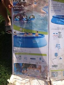 "16'x42"" Intex pool set"