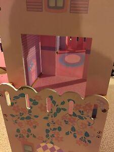 Barbie Playhouse Strathcona County Edmonton Area image 5