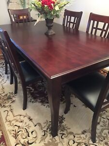 Large Solid Wood Rectangular Dining Table And Six 6 Chairs