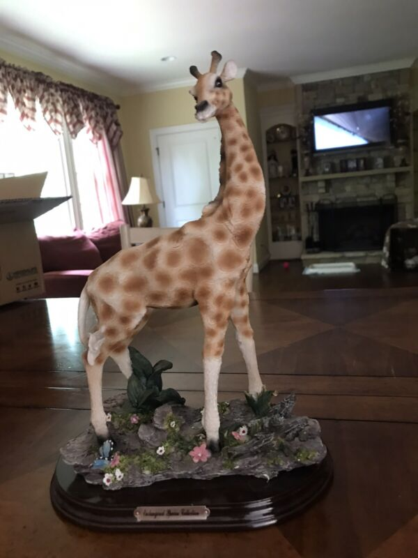 """VERY RARE GIRAFFE part of the """"ENDANGERED SPECIES COLLECTION"""""""