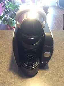 Bosch Tassimo incl 1 pack of coffee for sale $45 obo