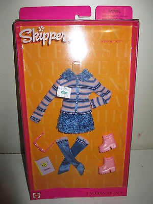 1999 Barbie Fashion Avenue Skipper MIB School Days Clothes 25753 Mattel